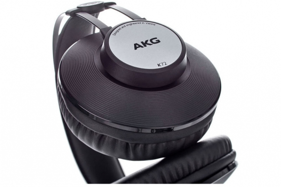 AKG K72 casque station music